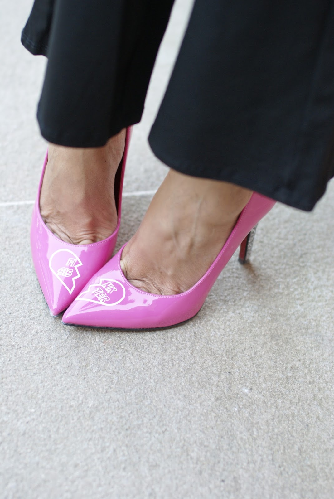 Pink Sister pumps from StayMercury collection by Angela Pavese on Fashion and Cookies fashion blog, fashion blogger style