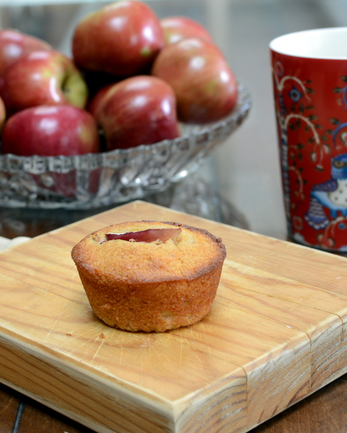 Cornmeal Muffins with Apple, another seasonal muffin ♥ KitchenParade.com, studded with apple with a pretty sliver on top. Perfect for Fall Breakfasts. Autumn Comfort Food. Great for Meal Prep. No Mixer Required.