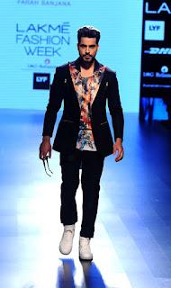 B-Town Hunks At The Lakme Fashion Week 2016