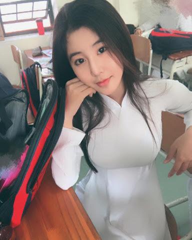Ngắm ảnh Hot girl Facebook Võ Ngọc Trân xinh đẹp vói số đo 3 vòng hoàn hảo