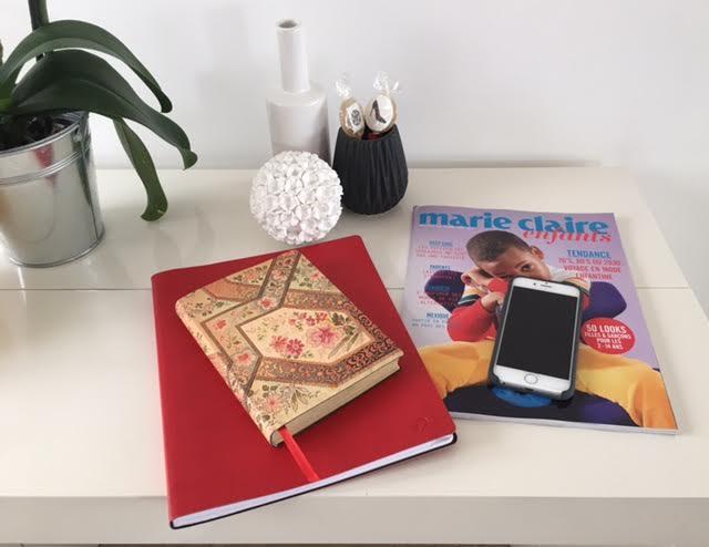 sur mon bureau aujourd 39 hui magazine marie claire enfants agenda quovadis carnet paperblanks. Black Bedroom Furniture Sets. Home Design Ideas