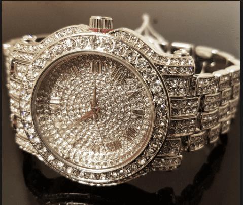 Luxury Makeup - Selena gomez's Expensive Birthday Gift For Justin Bieber