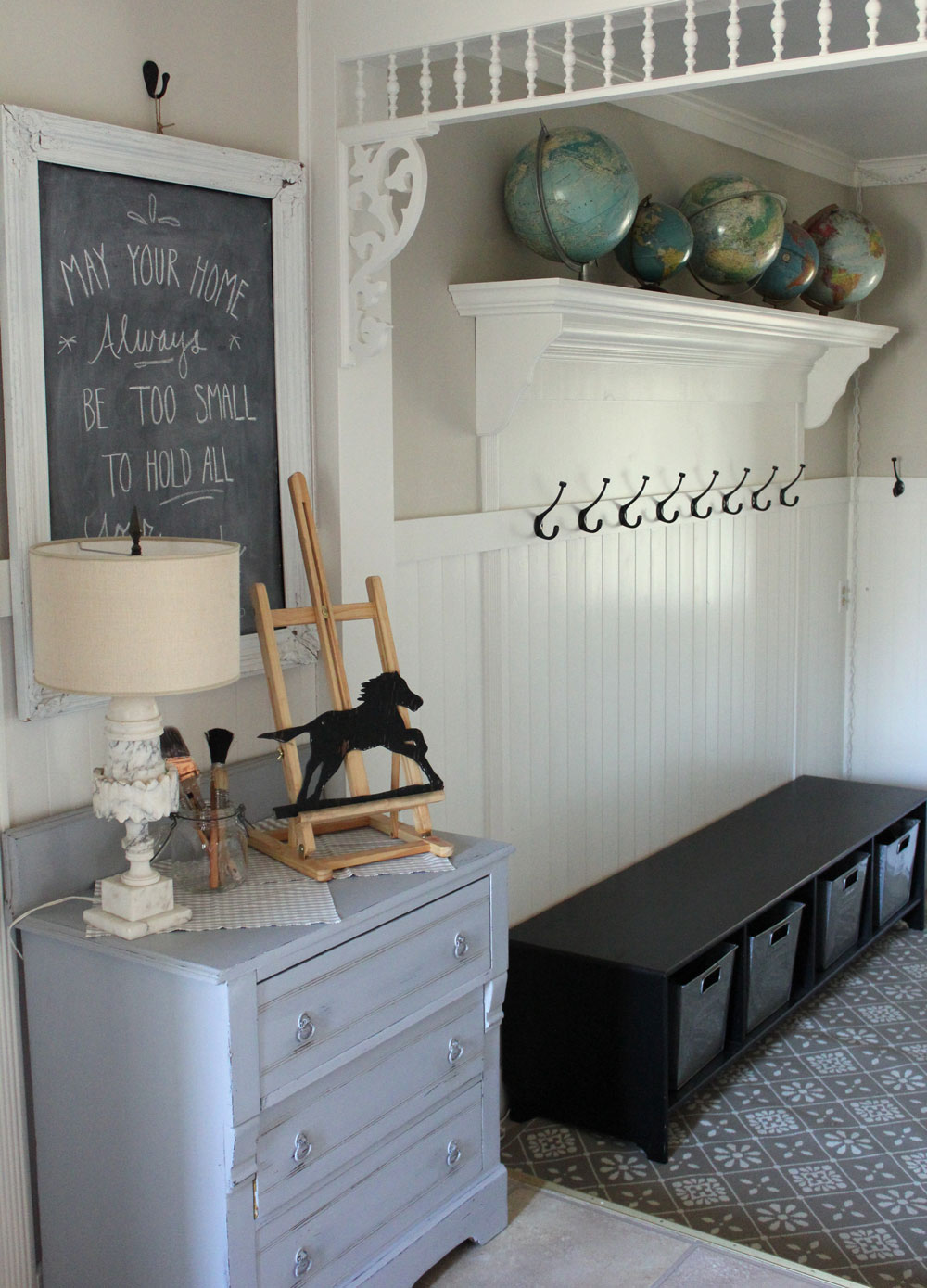 Itsy Bits and Pieces: Entryway Redecorating Ideas ...