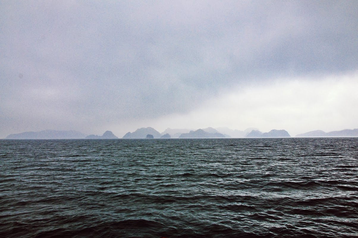 HALONG & BATULONG BAY // VIETNAM