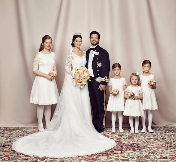 KIng Carl Gustaf, Queen SIlvia, Crown Princess Victoria, Prince Daniel, Princess Madeleine, Chris O'Neil and Princess Leonore