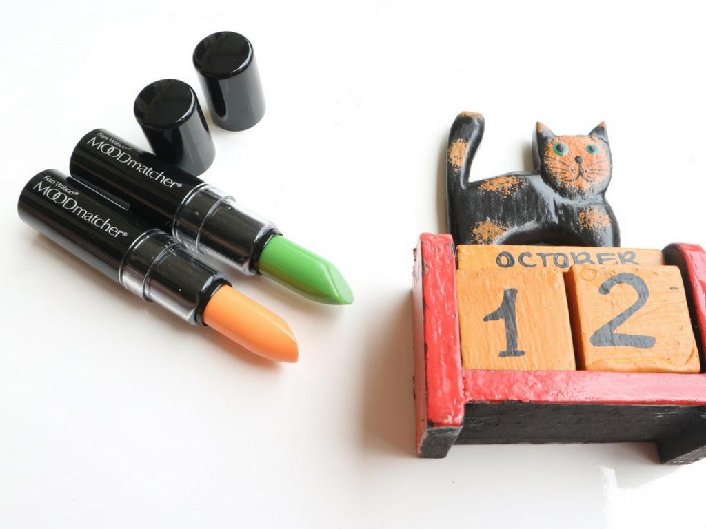 Bali Beauty Blogger Moodmatcher Lipstick By Fran Wilson Orange Tipe Original Memiliki 10 Macam Warna Aku Memilih Dua Yaitu Hijau Sepintas Pada Gambar Warnanya Pink
