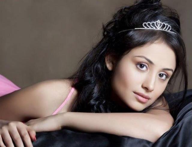 Anupriya kapoor instagram, laksh lalwani, age, wiki, biography, facebook