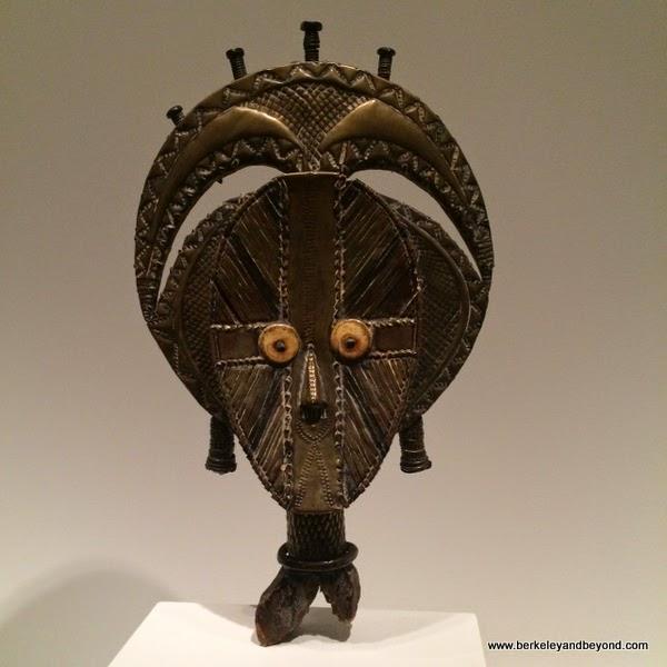 Mbulu-ngulu-from burial basket-Gabon,Kota Obamba-19th century, DeYoung Museum San Francisco