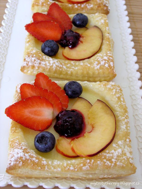 pudding squares with fruits