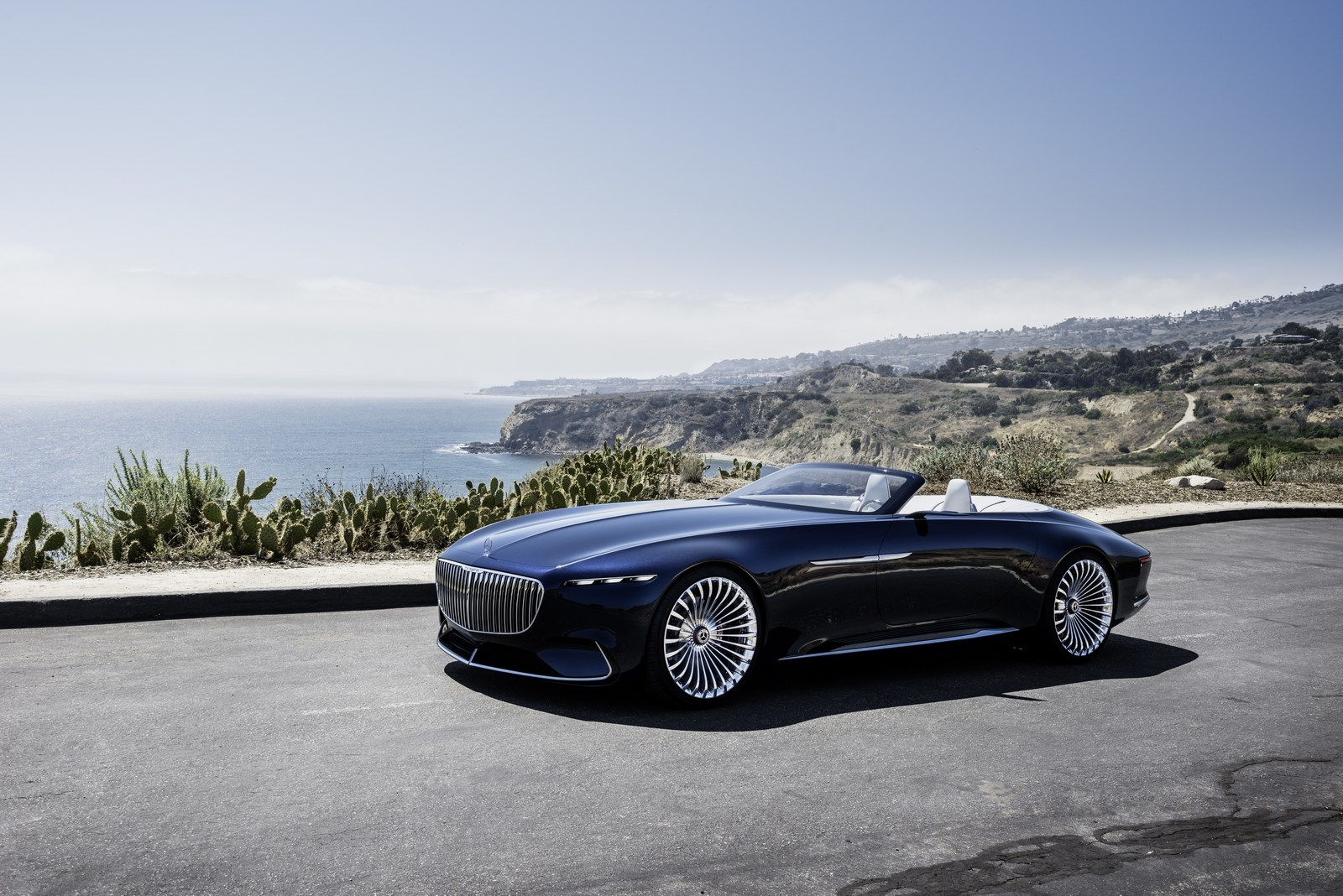 mercedes maybach 6 cabriolet concept unveiled with an electric powertrain carscoops. Black Bedroom Furniture Sets. Home Design Ideas