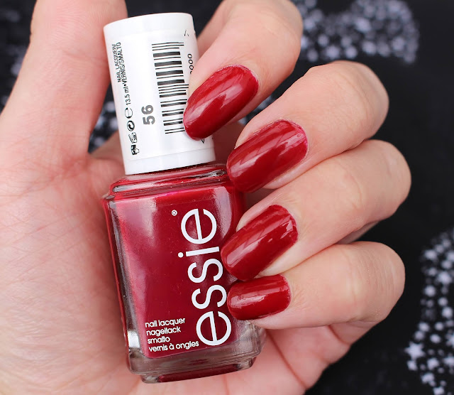 Review-Essie-Fishnet-Stocking