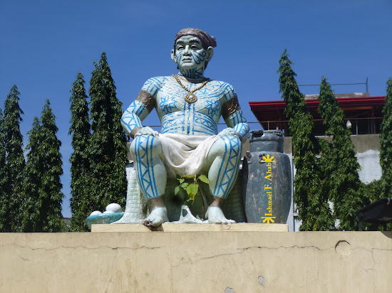 Statue of Rajah Humabon in Cebu City
