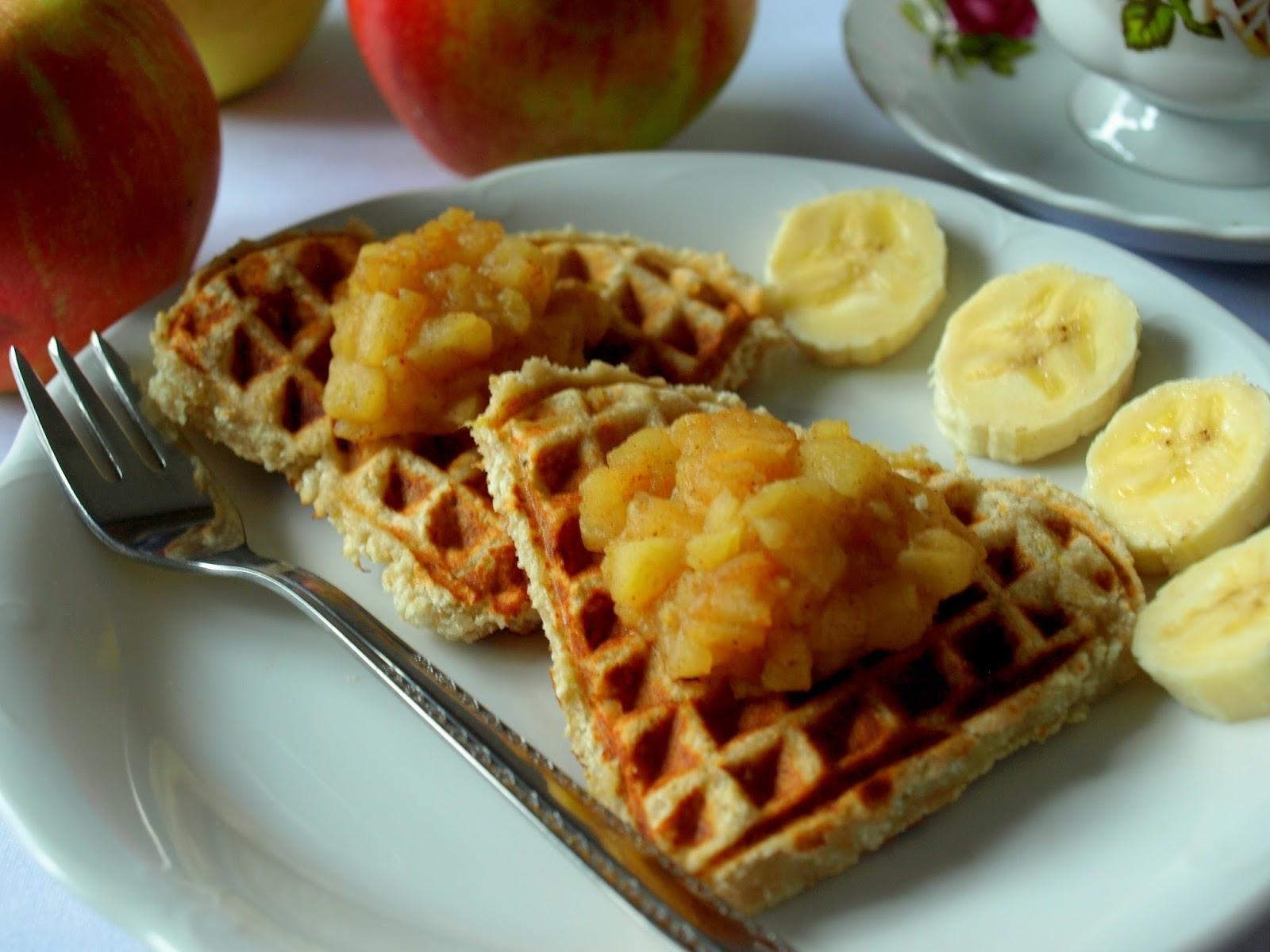AIP Gofry bananowe z musem jabłkowym (bez jajek, glutenu, cukru, mleka) idealne na śniadanie