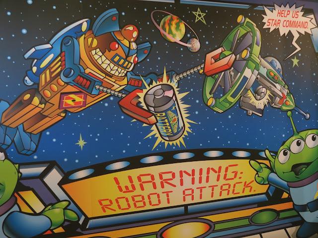 hong kong disneyland ; alien evasion poster