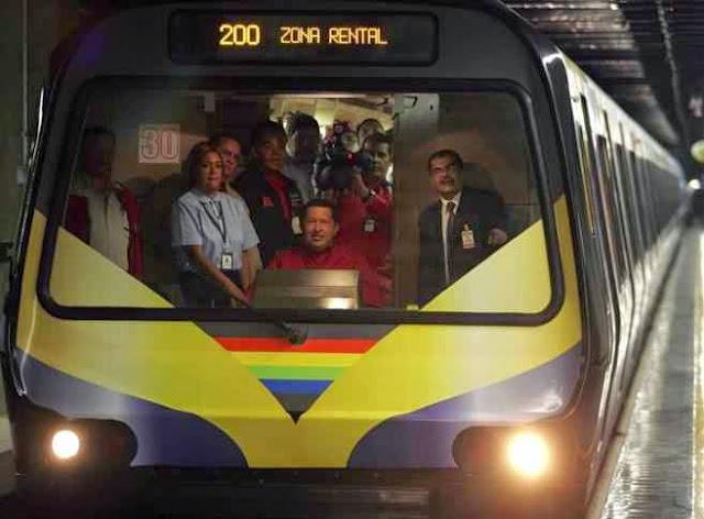 Obligados a escuchar a Chavez en el Metro de Caracas