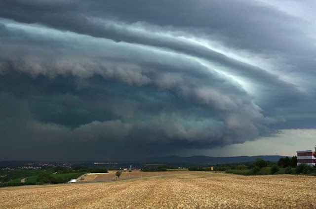 spectacular supercell