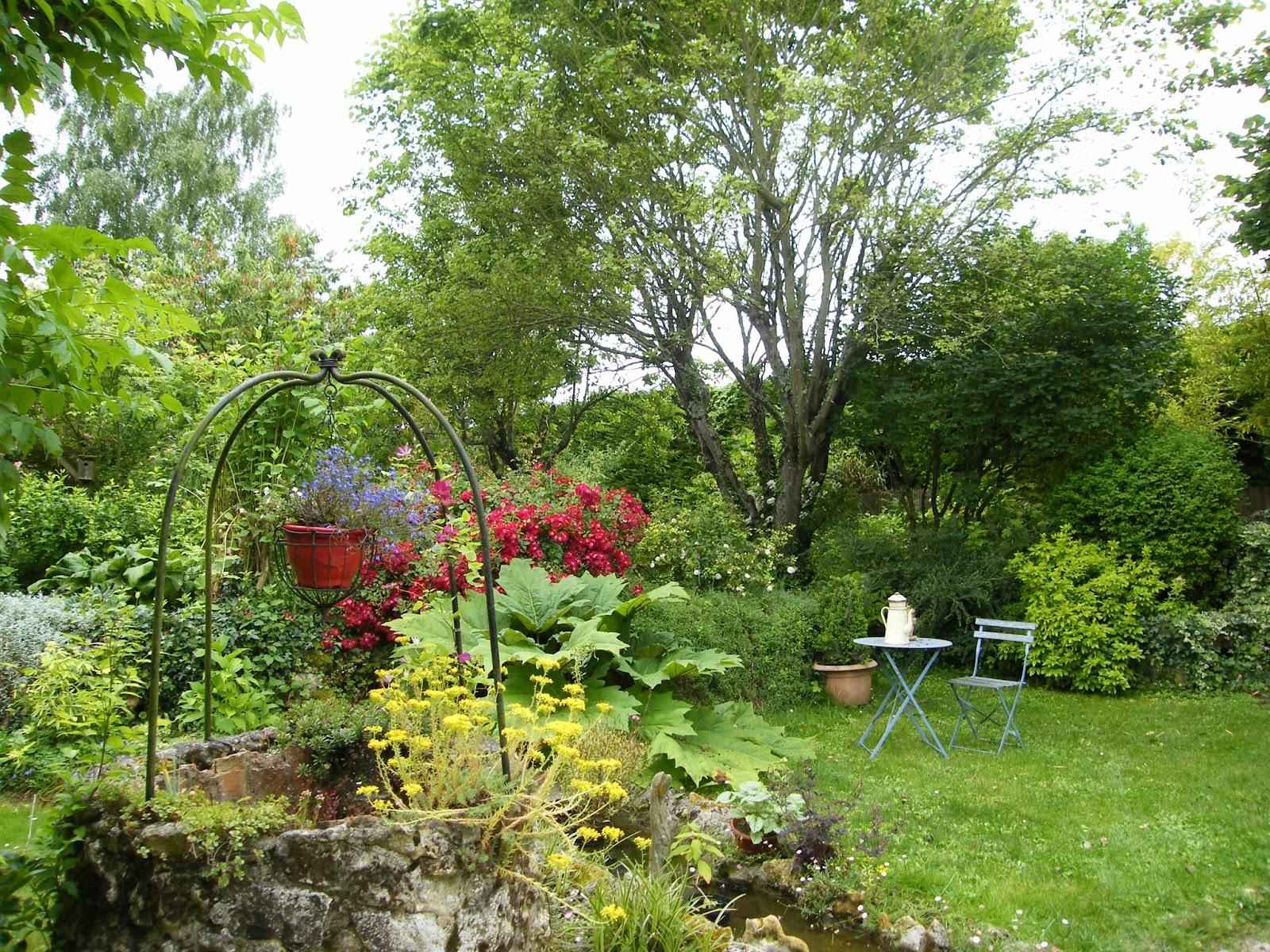 Au gr du jardin rouge omnicolor et multicolore - Couleur complementaire vert ...