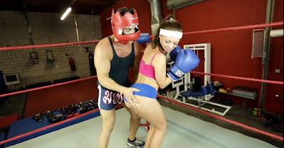 Boxeadora follada por su entrenador
