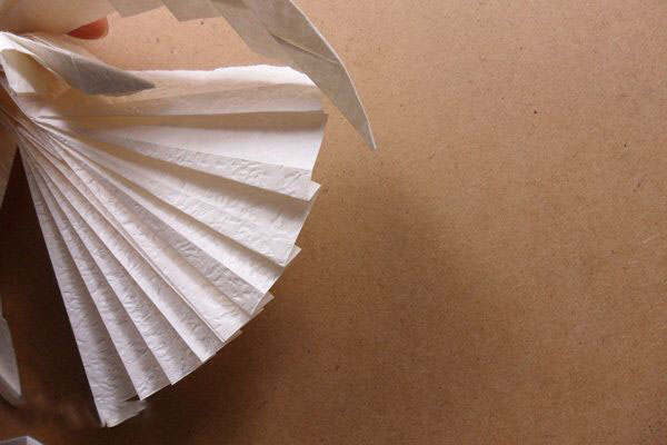 Ангел в технике трехмерное оригами из бумаги (4)
