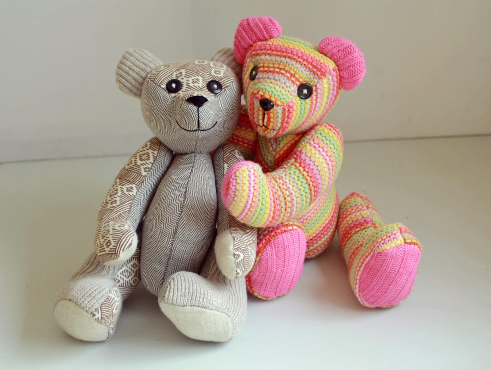 Dos osos de peluche hechos a mano, Lelleco