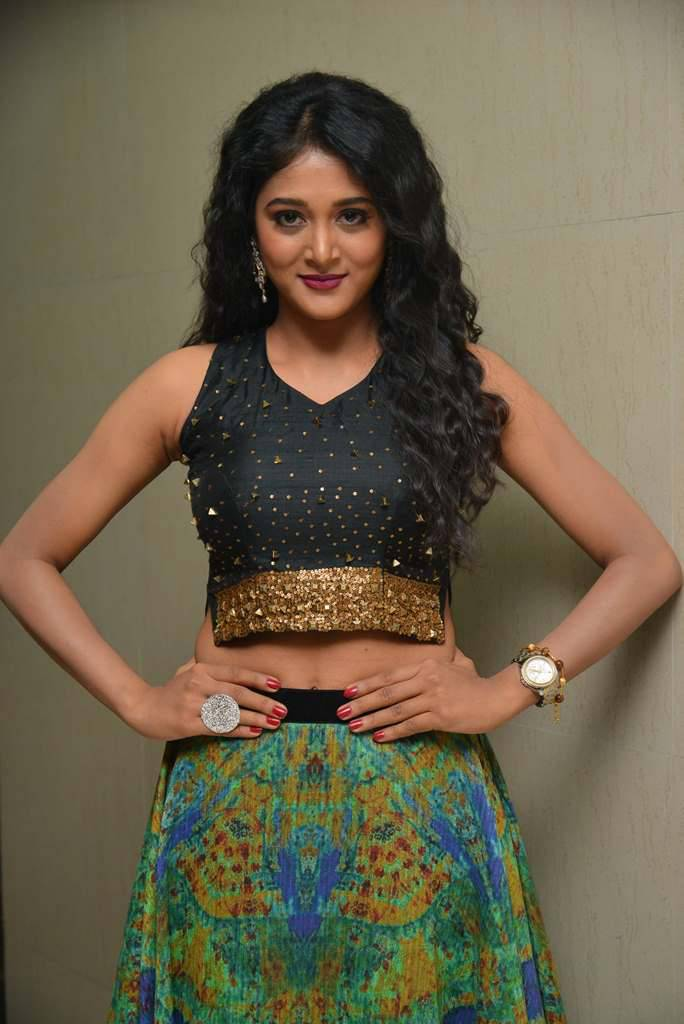 Tollywood Actress Sushma Raj Long Hair Navel Show Photos In Black Dress At Audio Launch