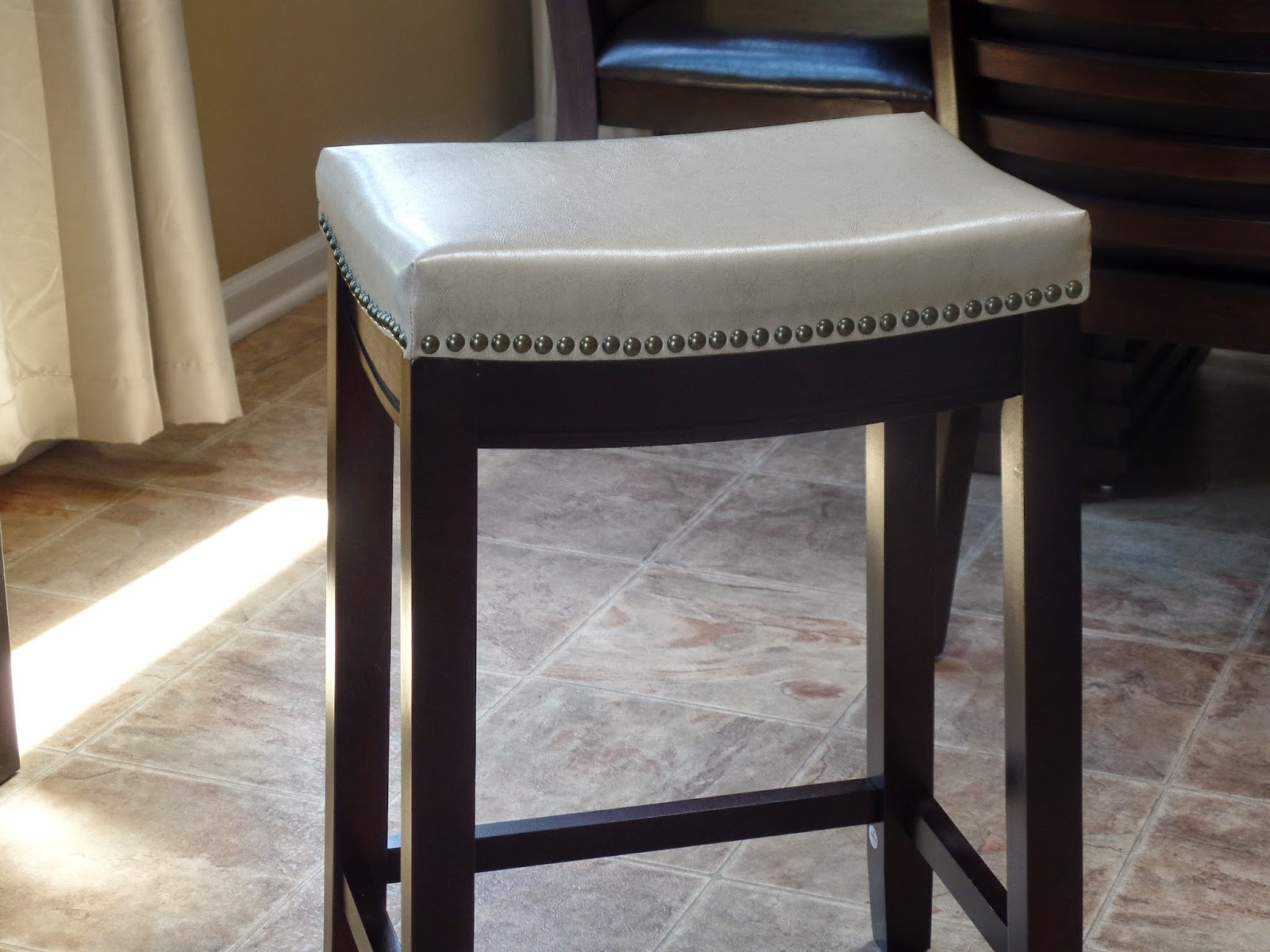 Budget Friendly And Fabulous Kitchen Counter Stools