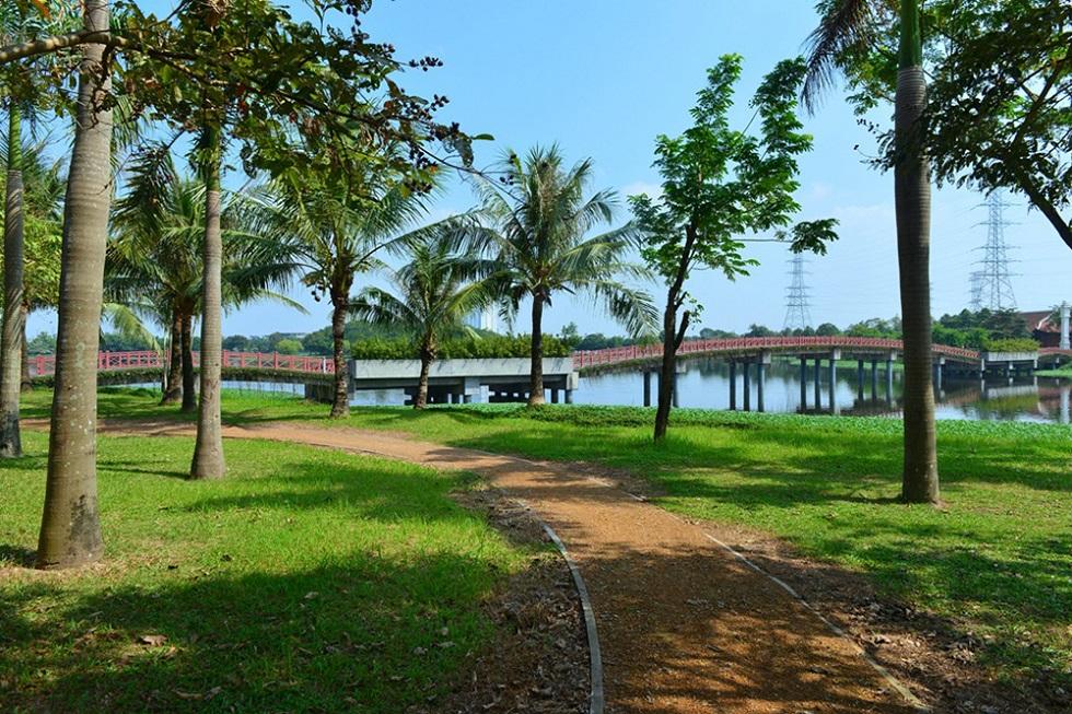 Cây xanh, hồ nước, cây cầu tạo ra không gian thơ mộng chỉ có ở Công Viên Yên Sở