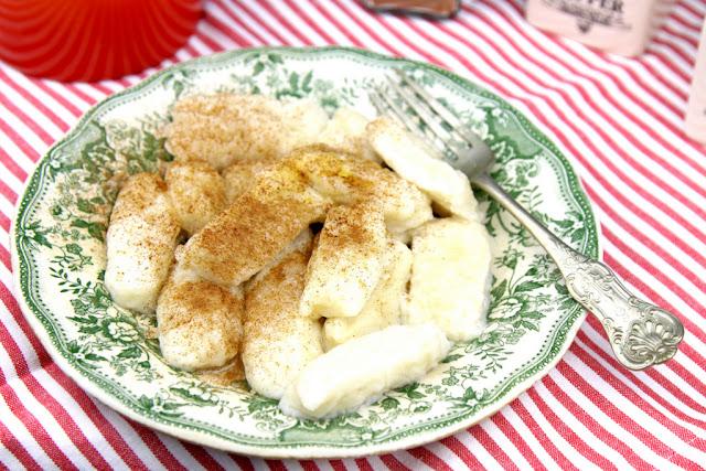 kuchnia polska, kluski leniwe, leniwe, leniwe pierogi, szybkie kluski z białego sera,  kluski z białym serem,