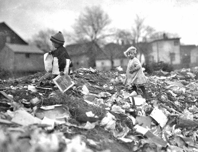 1912 Lewis Hine photo of children at city dump