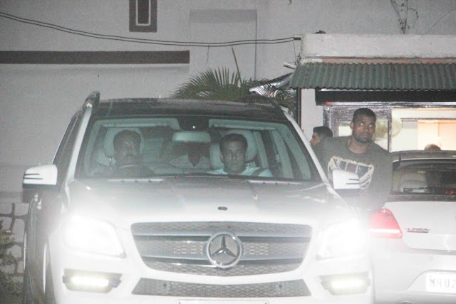 Salman Khan with Family at Sister Alvira Agnihotris House