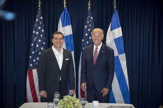 tsipras-se-mpainten-statherh-kai-viwsimh-lush-gia-to-xreos