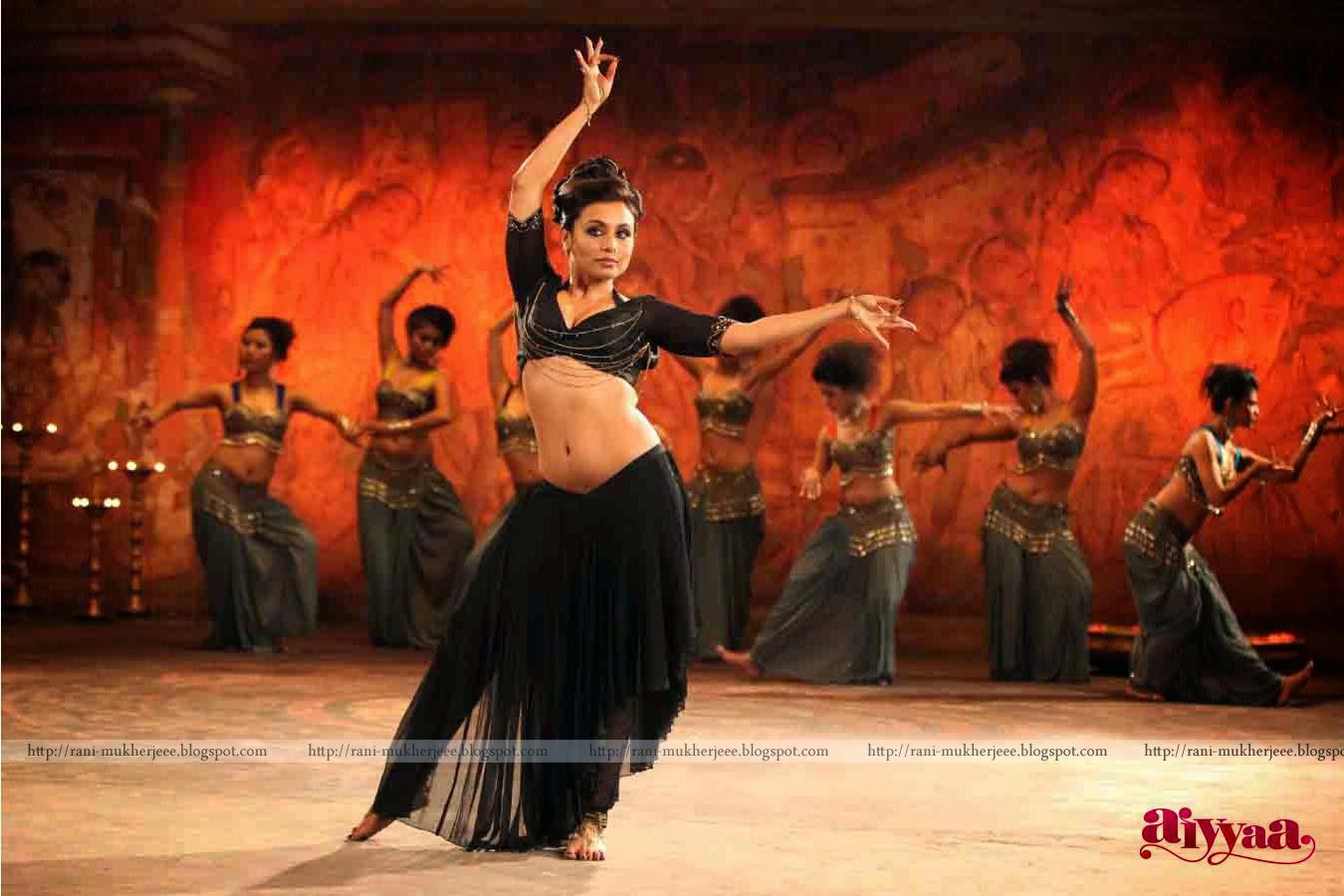 Rani Mukherjee Rani Mukherjee Navel Pics In Aiyyaa-4896