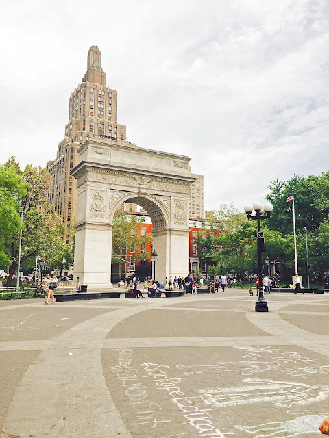 NYC travel guide summer nye washington square park