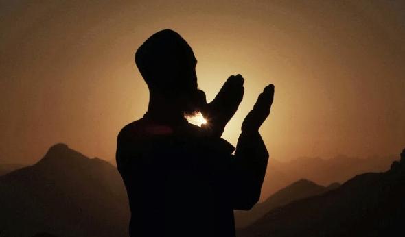 Abu Bakar Muhammad bin Umar bin Abdul Aziz bin Ibrahim bin Isa bin Muzahim al Abu Bakar Muhammad bin Umar (Ibnu Quthiyah) - Sejarawan Islam Masa Bani Umayyah