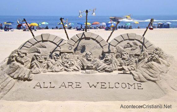 Escultura de arena en la playa de la Santa Cena de Jesús