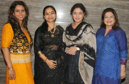 Newztabloid-Shomu Mitra-Paromita Sarkar-Sharbani Mukherji-Mala Narayan-Sarbojanin-Durga-puja