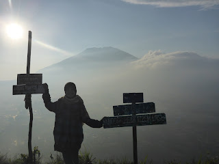 Andong Magelang Jawa Tengah saat Siang Hari di Puncak