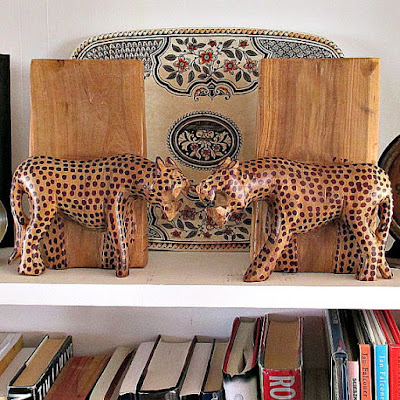 https://www.etsy.com/listing/259326753/beautiful-vintage-leopard-bookends-hand?ref=shop_home_active_68
