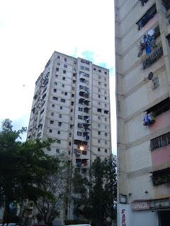 Caricuao ...Solicito Apartamento 04123605721, tenemos cliente en espera de Contado