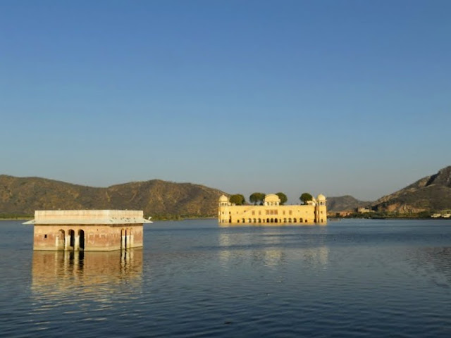 Points of interest in Jaipur: Jal Mahal, Jaipur's water palace