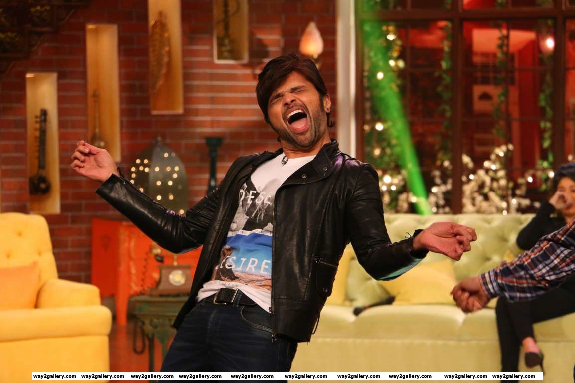 Himesh Reshammiya promoted his upcoming film Teraa Surroor on Comedy Nights Live