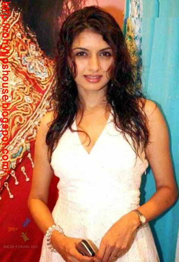 All Actress Biography And Photo Gallery : Bhagyashree