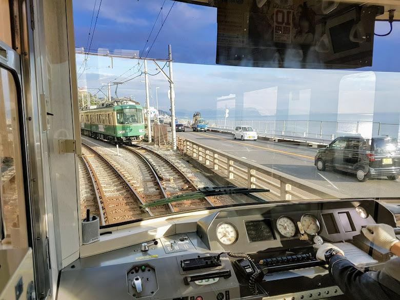 江之電車外一景,延著海邊那段風景很舒服