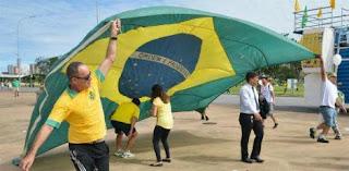Gravações revelam que, dentre os partidos, o PSDB teria firmado acordo para pagar comida e transporte de manifestantes a favor do impeachment de Dilma