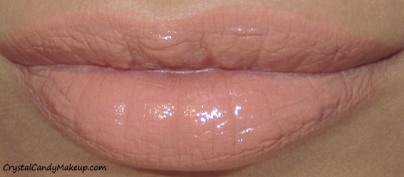 Charlotte Tilbury K.I.S.S.I.N.G Mini Lipstick Charm Penelope Pink Swatch
