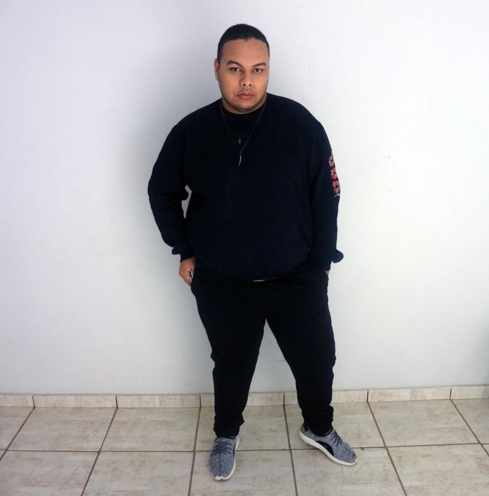 3af9a440f5 Look masculino plus size - Black is my happy color - Tem Meu Tamanho ...