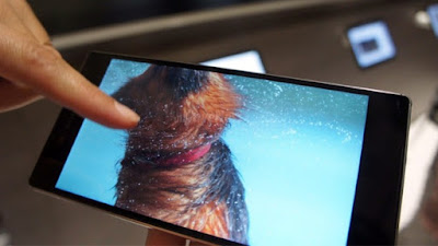 Layar 4K ponsel