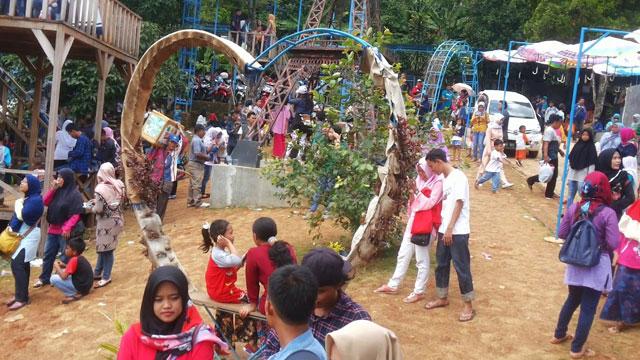 Pengunjung Jonggol Garden