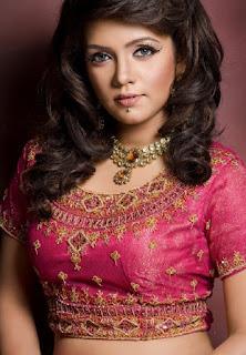 Mila Islam Bangladeshi Singer In Saree