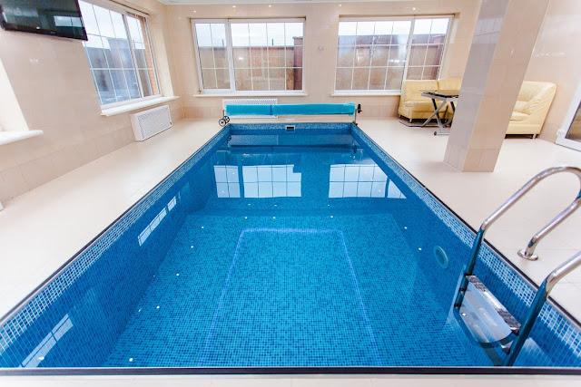 swimming pool maintenance companies dubai